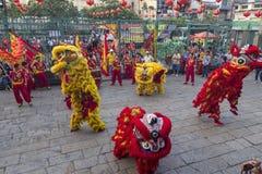 SAIGON, VIETNAME - 15 de fevereiro de 2018 - dança do dragão e de leão mostram no festival chinês do ano novo Imagem de Stock Royalty Free