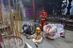 SAIGON, VIETNAME - 15 de fevereiro de 2018 - dança do dragão e de leão mostram no festival chinês do ano novo Foto de Stock