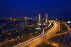 SAIGON WIETNAM, CZERWIEC, - 26, 2015: Pejzaż miejski Ho Chi Minh Ciy i Khanh Hoi most Obraz Stock