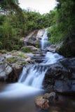 Saikuwaterval in nationaal park bij Prachuapkhirikhan-provincie Stock Fotografie