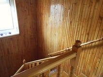 Sailant dans l'escalier Images libres de droits