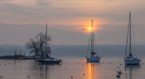 Sailboat και ανατολή ΙΙ Στοκ Φωτογραφίες