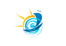 Sailboat λογότυπο, σύμβολο περιπέτειας γιοτ, θαλάσσιο σχέδιο αθλητικών διανυσματικό εικονιδίων Στοκ εικόνα με δικαίωμα ελεύθερης χρήσης
