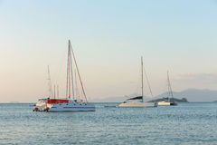 Sailboat στη θάλασσα Στοκ εικόνα με δικαίωμα ελεύθερης χρήσης
