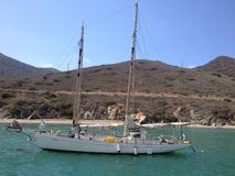 Sailboat στο λιμάνι Καλιφόρνια γατών Στοκ Εικόνες