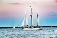 Sailboat στο Τσάρλεστον, νότια Καρολίνα Στοκ Φωτογραφία