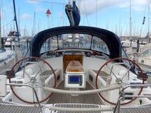 Sailboat no porto fotografia de stock