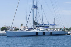 Sailboat at the pier Royalty Free Stock Photography
