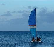 Sailboating au Cuba Photos libres de droits
