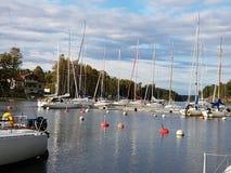 Sailboats λιμνών της λιμενικής Σουηδίας Στοκ Εικόνα