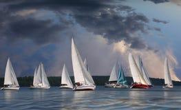 Sailboats που επιπλέουν στα σύννεφα Στοκ εικόνες με δικαίωμα ελεύθερης χρήσης