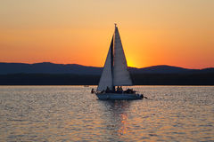 Sailboats που επιπλέουν στα σύννεφα Στοκ εικόνα με δικαίωμα ελεύθερης χρήσης