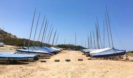 Sailboats estacionados Fotos de Stock Royalty Free
