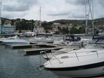 sailboats-in-the-harbour Stock Photos