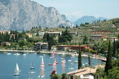 Sailboats on lakeside Royalty Free Stock Images