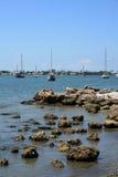Sailboats na água fotos de stock