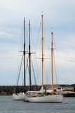 Sailboats na escora Imagem de Stock Royalty Free