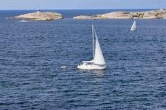 Sailboats no arquipélago Fotografia de Stock Royalty Free