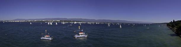 Sailign rasa na Jeziornym Genewa w Szwajcaria Fotografia Stock