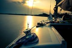 sailing конца дня стоковые изображения
