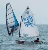 sailing оптимиста типа Стоковые Изображения RF