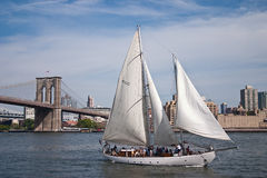 Sailing boat. In front of the Brooklyn bridge Stock Photo