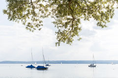 Sailing Boat at the Lake Royalty Free Stock Photos