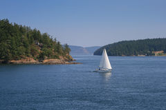 Sailing boat at Puget Sound. Somewhere between Orcas and San Juan Island Stock Images