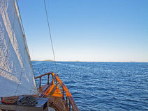 Sailing through islands Royalty Free Stock Photography