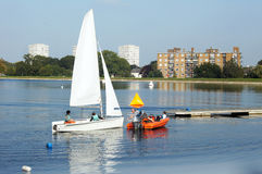 Sailing on the reservoir Royalty Free Stock Photography