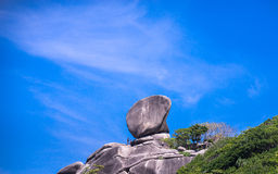 Sailing Rock, clear sea and blue sky on the island of Koh Similan Stock Photos