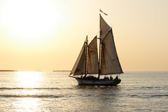 Sailing into the Sunset to the Left Royalty Free Stock Photos