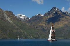 Sailing on watakipu lake Royalty Free Stock Photos