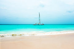 Sailing yacht on the Caribbean Sea at Aruba island Royalty Free Stock Photos