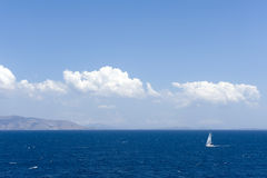 Sailing yatch in the wind Royalty Free Stock Photography