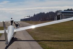 sailplane ανεμοπλάνο στο αεροδρόμιο της νότιας Γερμανίας Στοκ φωτογραφία με δικαίωμα ελεύθερης χρήσης