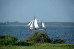Sailship dans la baie Photographie stock