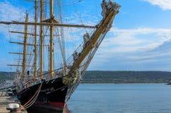 Sailship in Schwarzem Meer Lizenzfreies Stockfoto