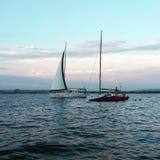 2 sailships в черноте видят Стоковые Изображения RF