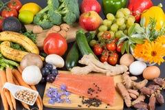 Sain et alimentation équilibrée photo stock