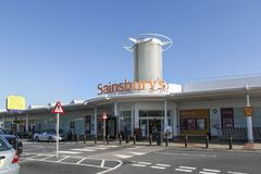 Free Sainsburys Supermarket Main Entrance Stock Photo - 104075080