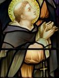 Saint com um rosário Fotos de Stock Royalty Free