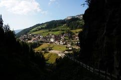 Saint Cristinina em Val Gardena/Alto Adige/para o sul em Tirol Itália Imagens de Stock