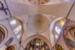 Saint Etienne Catholic em Cahors, França imagens de stock royalty free