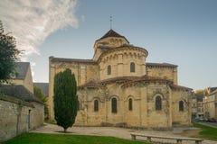 Saint-Etiennekirche in Nevers Stockbilder