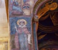Saint féminin sur le fresque antique de la cathédrale de Svetitskhoveli Site de patrimoine mondial géorgien de l'UNESCO images stock