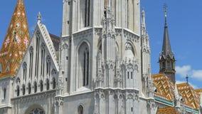 Saint gótico Matthias Church vídeos de arquivo