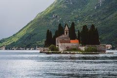 Saint George Monastery sur la baie de Kotor Photo libre de droits