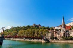 Saint Georges de Eglise e o rio Saone Imagens de Stock Royalty Free