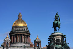 Saint Isaac's Cathedral and Nicolas I Statue Royalty Free Stock Photos